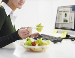 'HOW' You Eat Affects Weight Loss